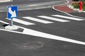Signalisation routière horizontale : passage piétons